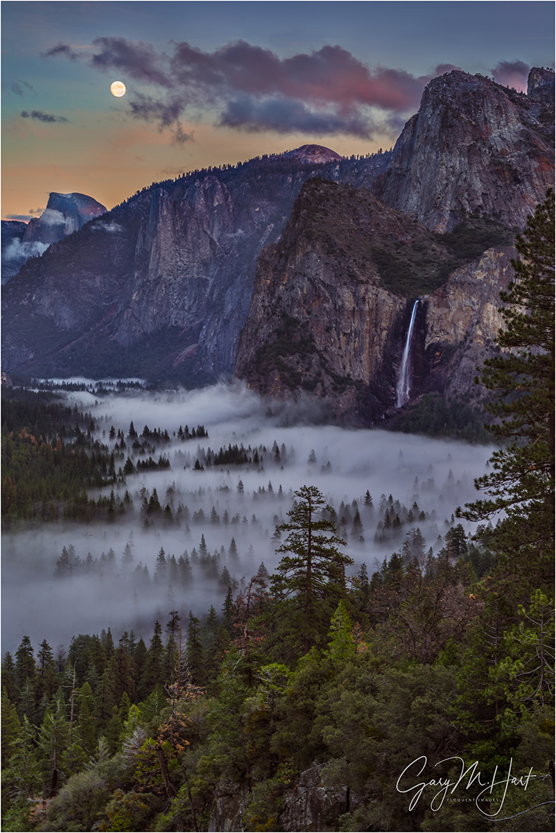Moon and Mist,Tunnel View, Yosemite