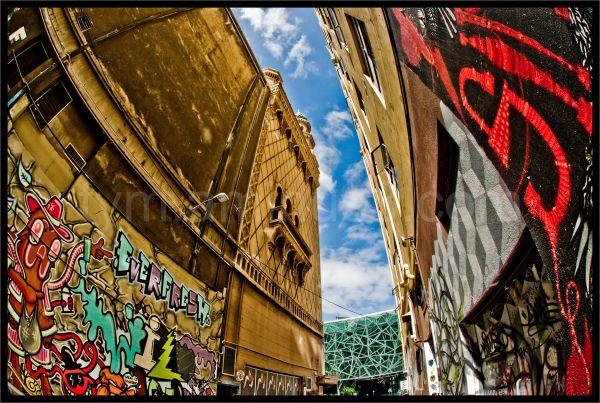 graffiti at movida, melbourne