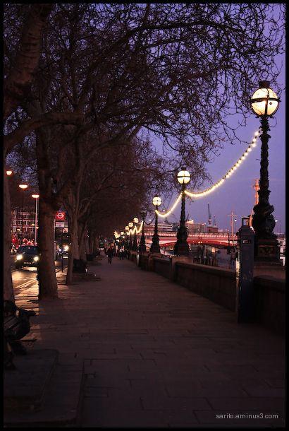 Victoria - Embankment