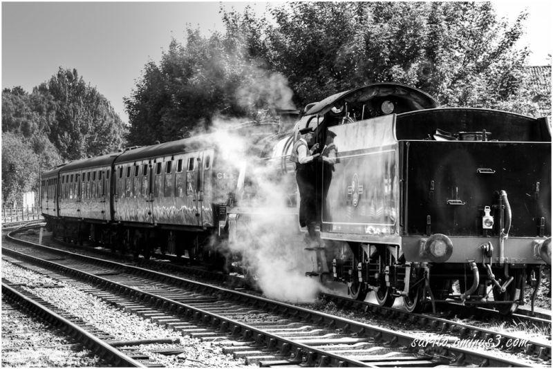 31806 SR U Class locomotive at Alton train station
