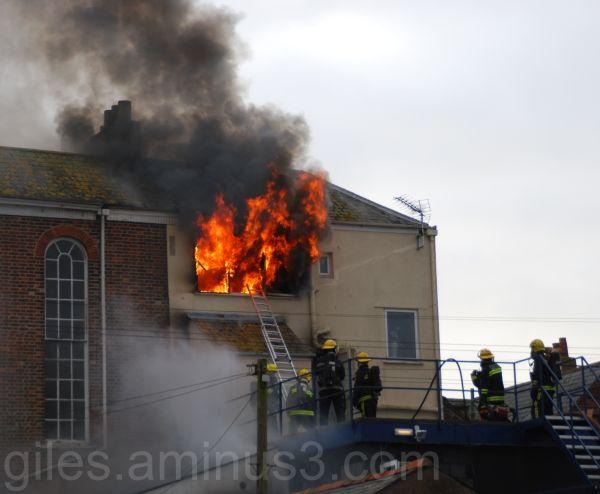 fire exmouth smoke flames fire service firefighter