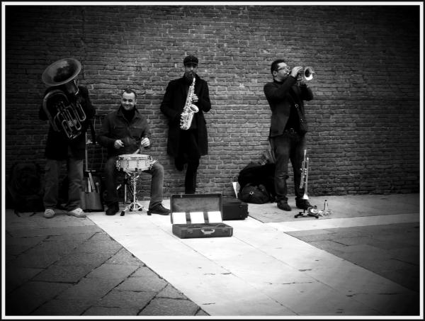 bandarei street musicians jazz bologna