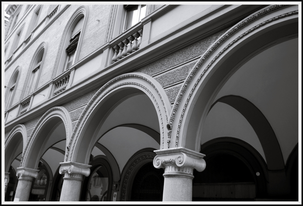 arches in dialogue