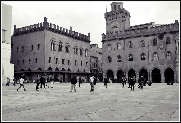 football in piazza grande