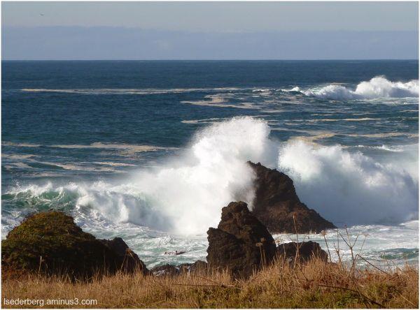 Caspar coast waves