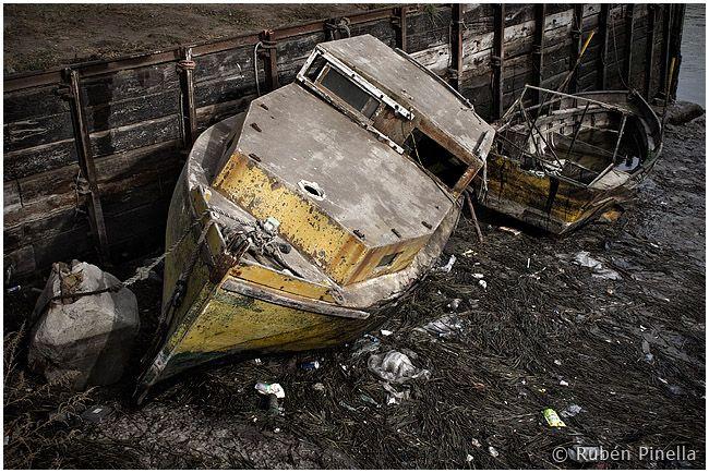 Lanchas pesqueras abandonadas
