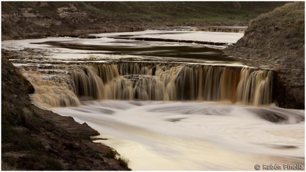 Cascada en el Río Quequén II