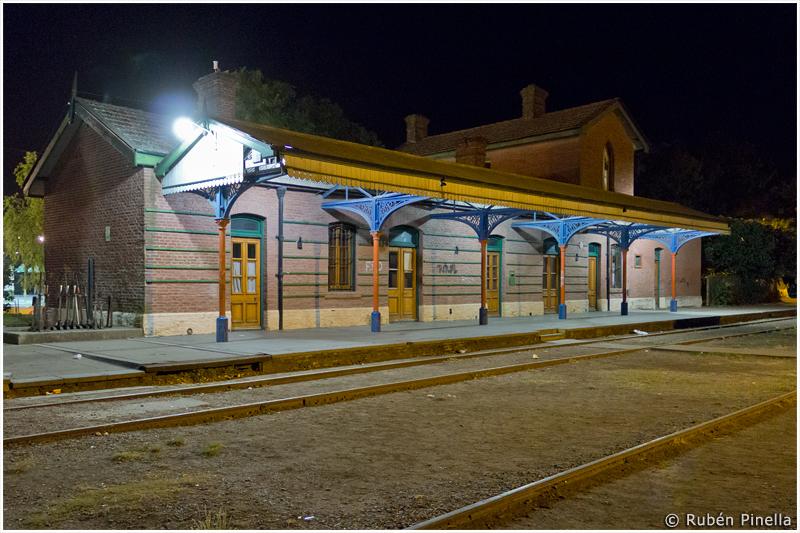 Estación ferroviaria de Adolfo González Chaves