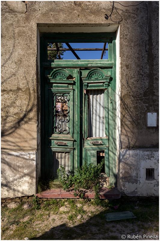Puerta #75
