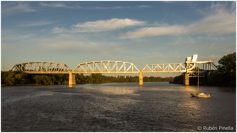 Puente Ferrocarretero sobre el Río Negro