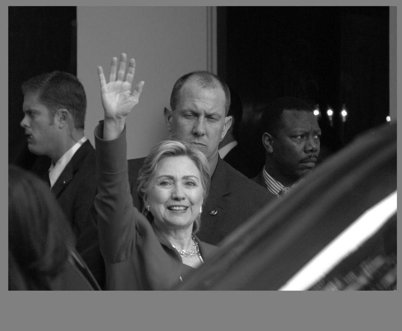 Clinton visits Pasadena