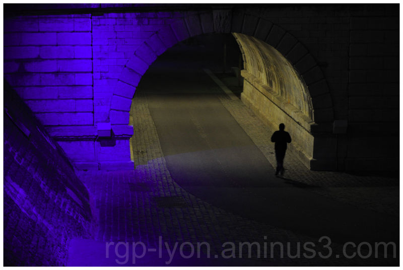 un jogger nocturne