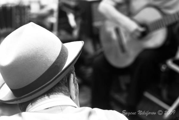 Man & Guitar, San Telmo plaza, Buenos Aires