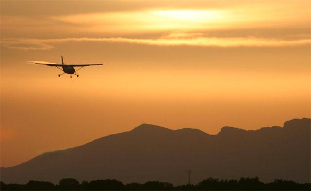 avion,jaca,coucher de soleil,pyrénées