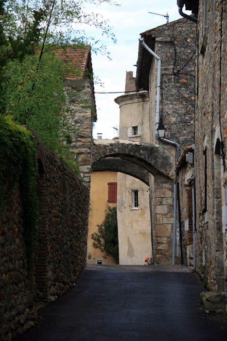 Le village de St-Julien de Cassagnas dans le Gard