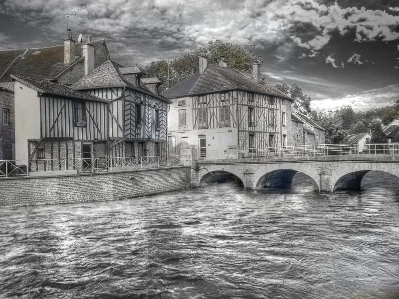 Le pont d'Essoyes (FR)