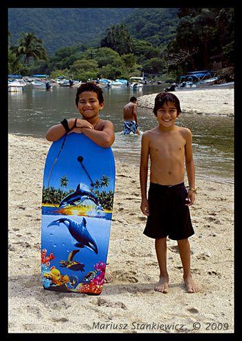 Mexico - young beach bums