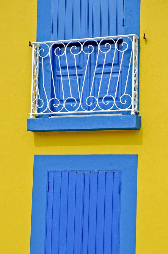 blue sweet yellow...