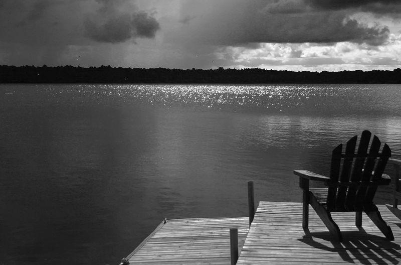 Aproaching Storm (B&W)