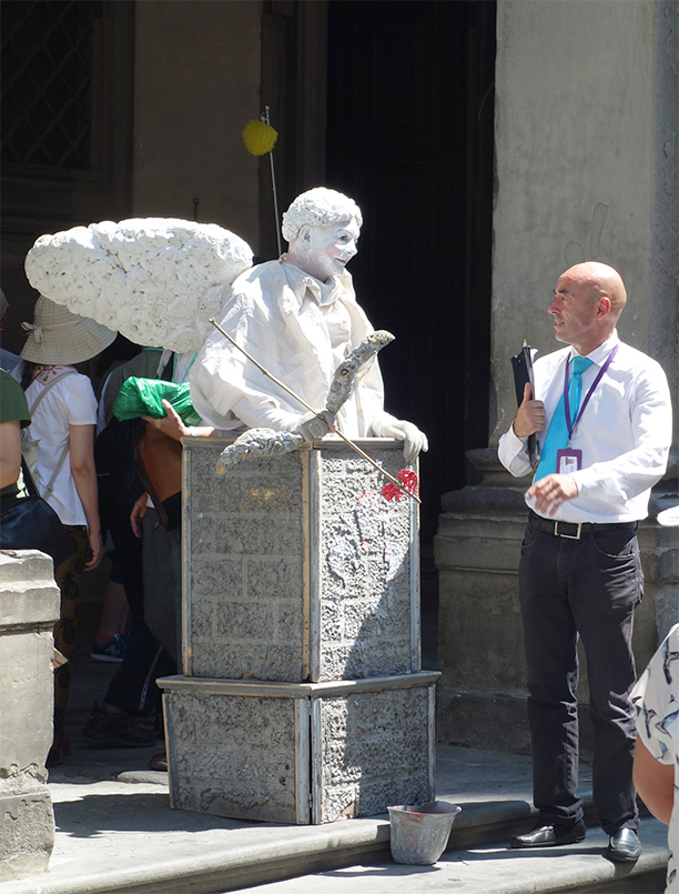 A picture of an Eros street performer