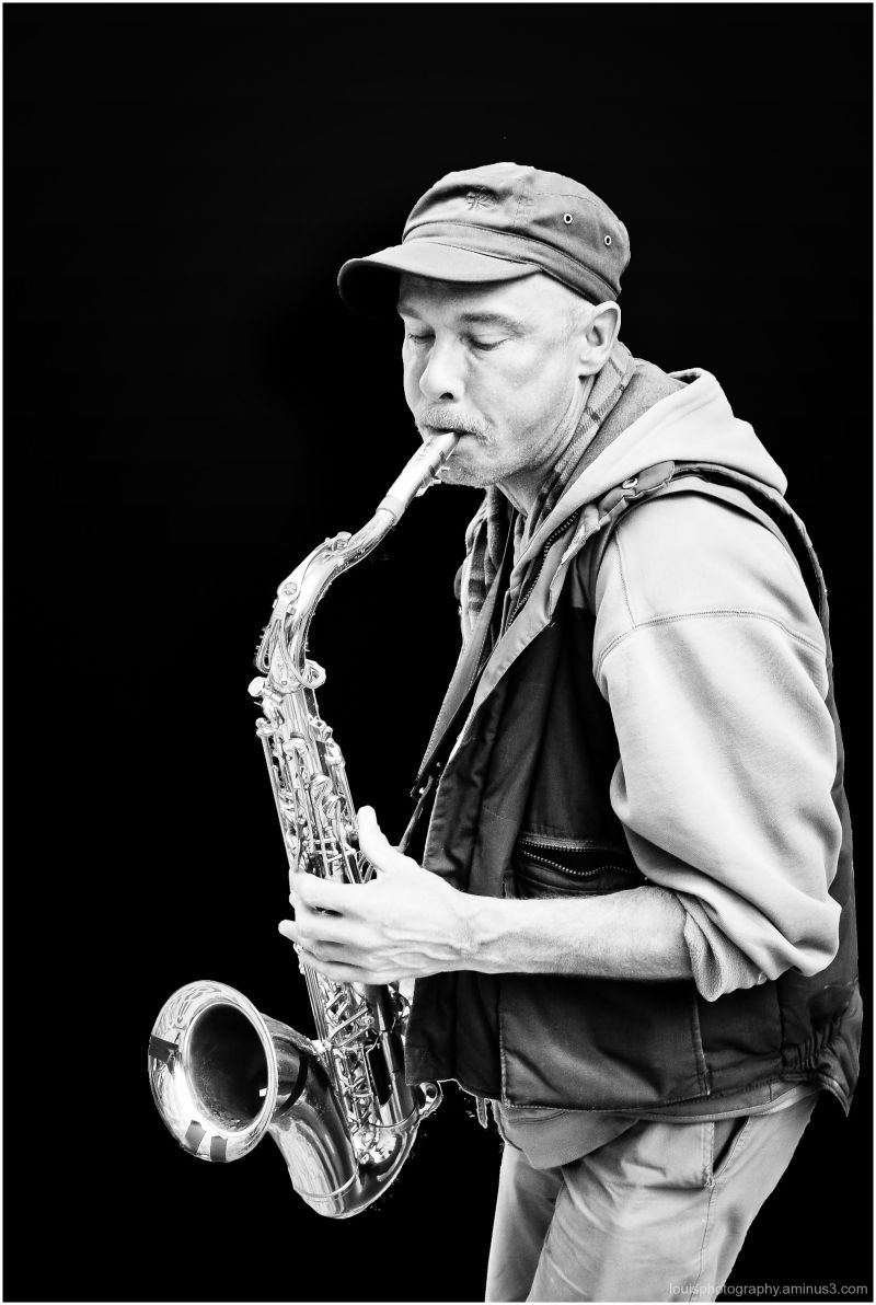 Saxophone lisbon expression street artist