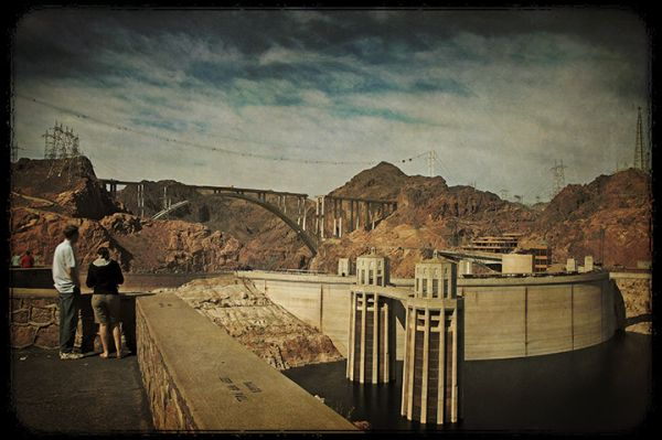 Hoover Dam is for Lovers