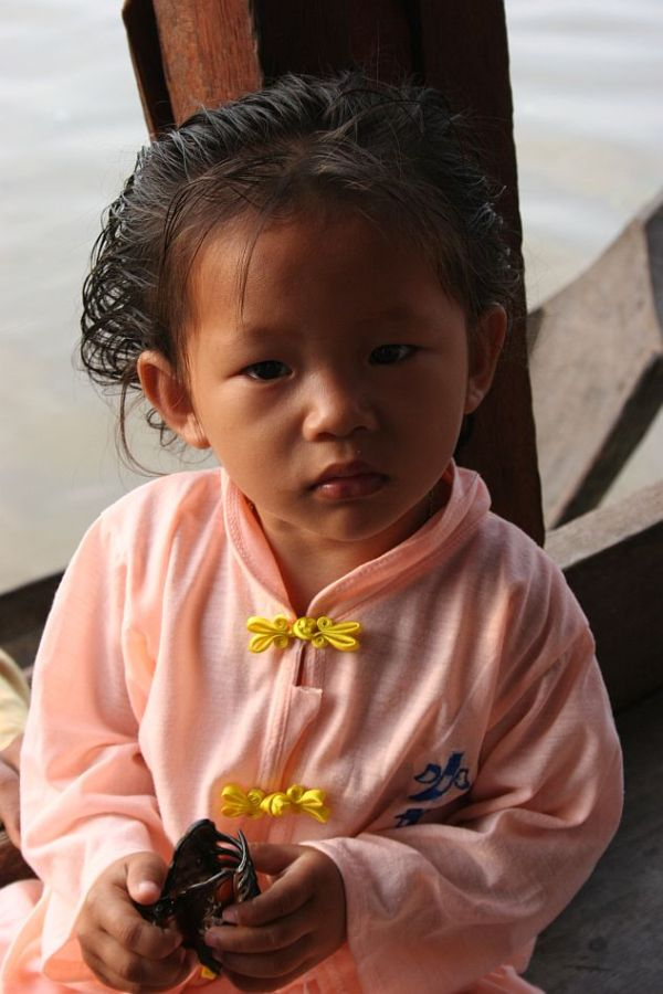young girl of Cambodgia