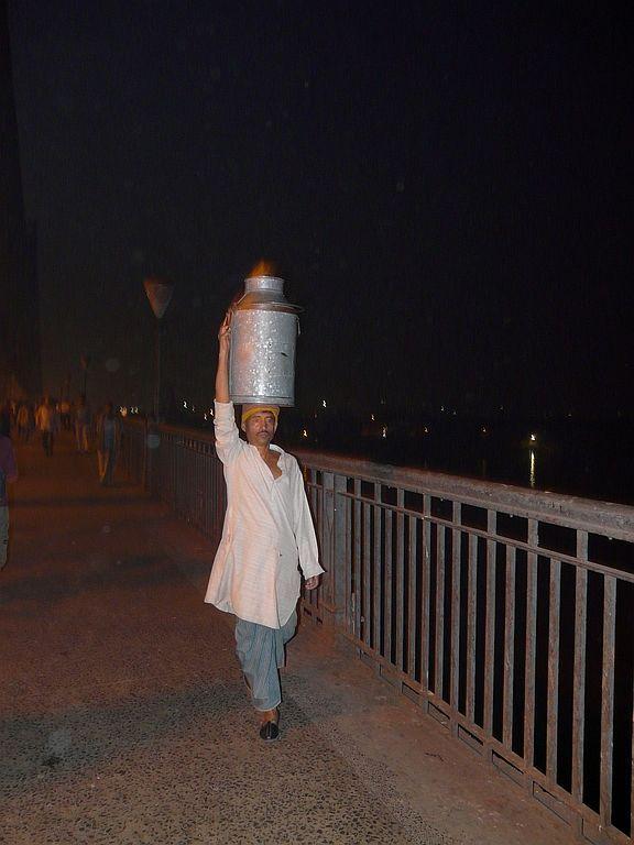 milk delivery man in Kolkata