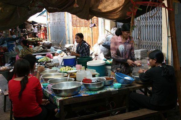 street restaurant in Campuchea