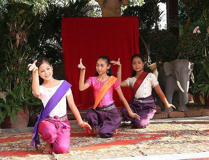 khmere  folk danses