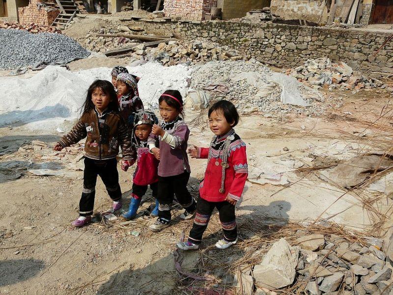 quelques enfants rencontrés dans un village