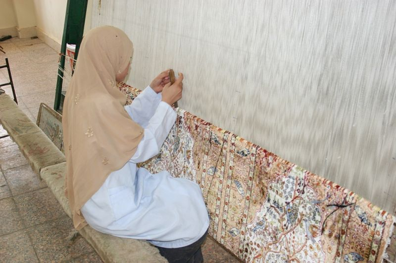 weaving school; école de tissage en Egypte