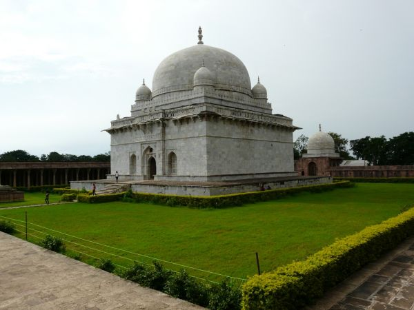 Hostang Shah marble mausolee in Mandu