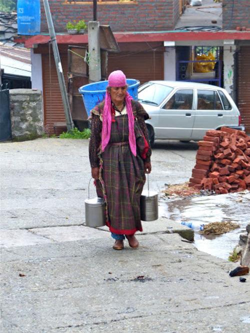 indian old woman in himachal pradesh