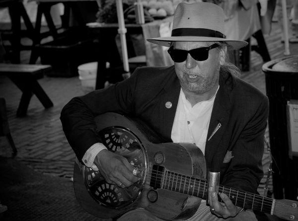 Guitar Man Seattle