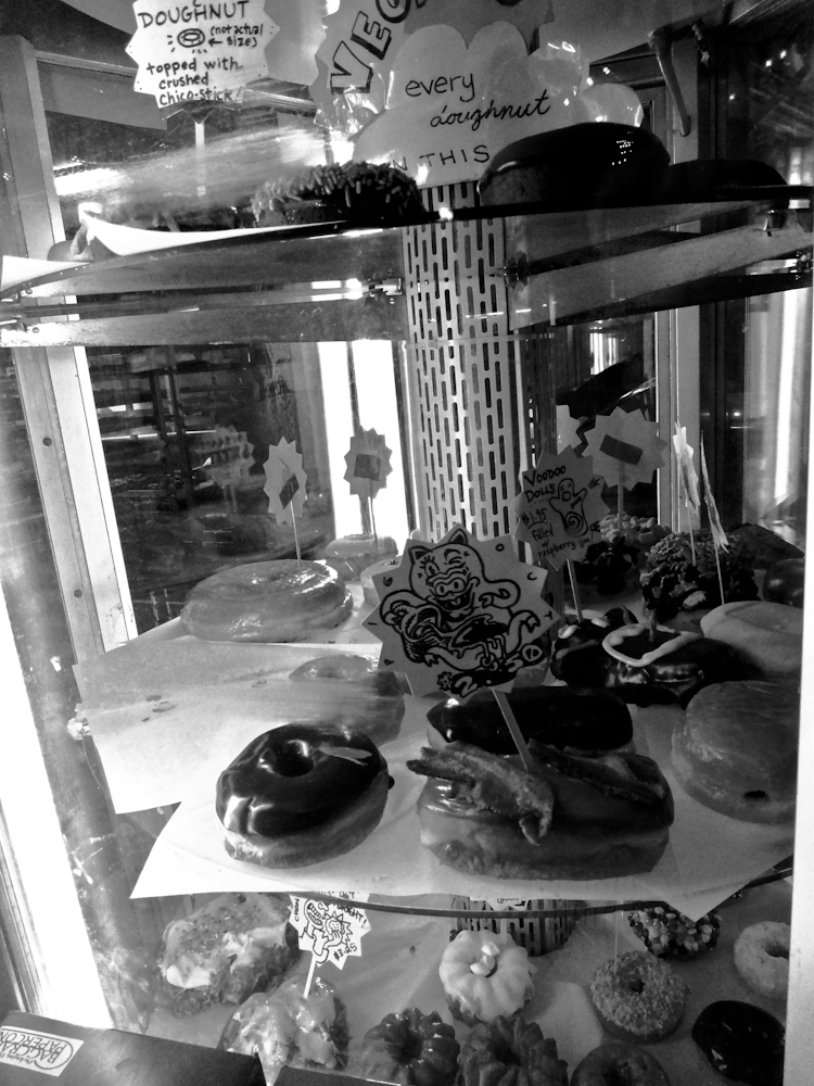 Voodoo Donuts Portland downtown city oregon black