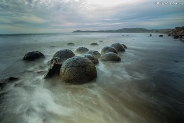 moeraki boulders, new zealand, ocean
