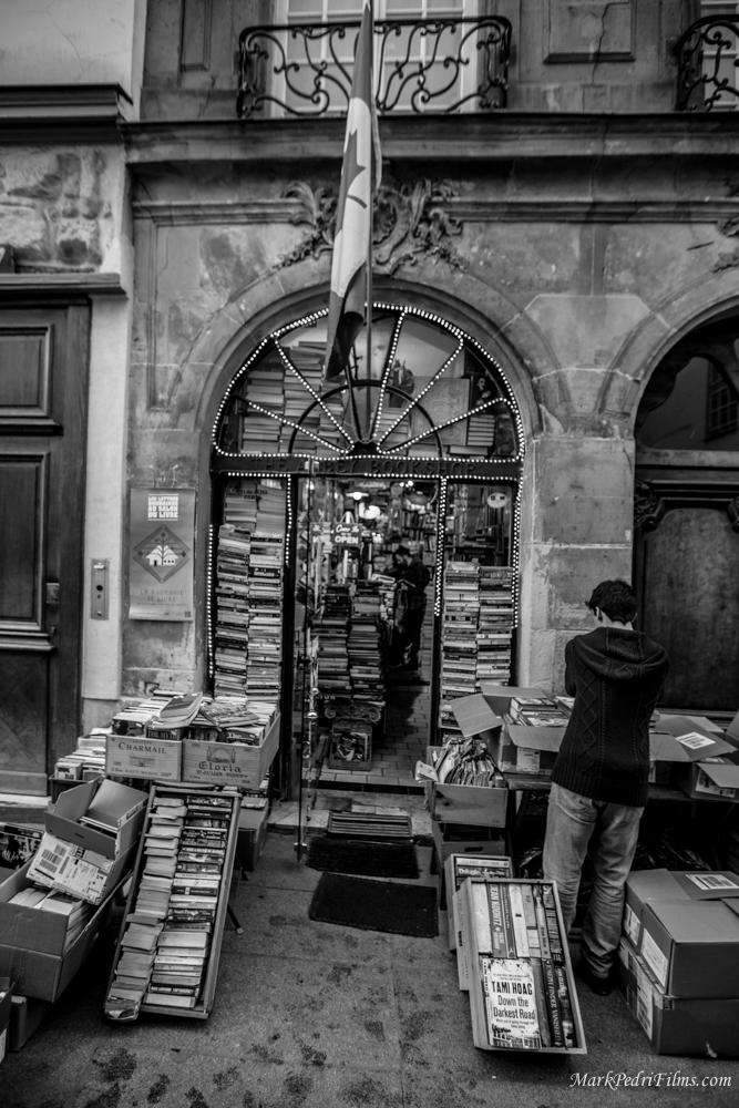Paris, France, Latin, Books