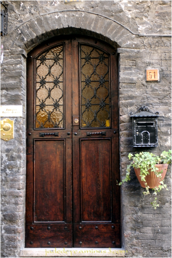 Doors of Italy - Assisi