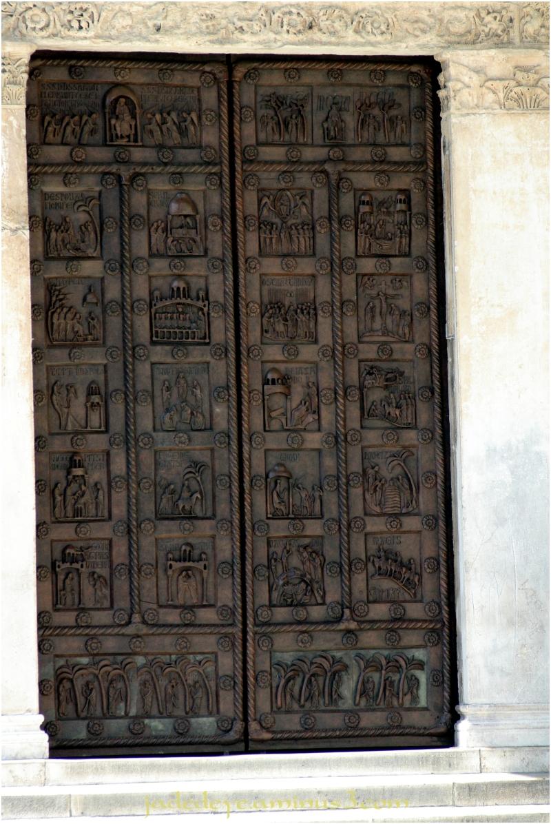 Doors of Italy - Pizza