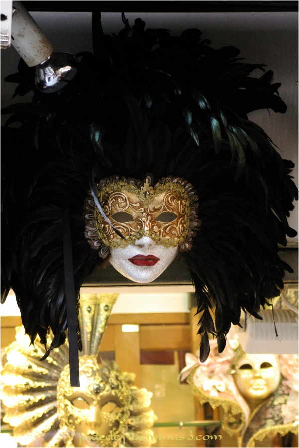 "Volto ""Eyes Wide Shut"" Mask"