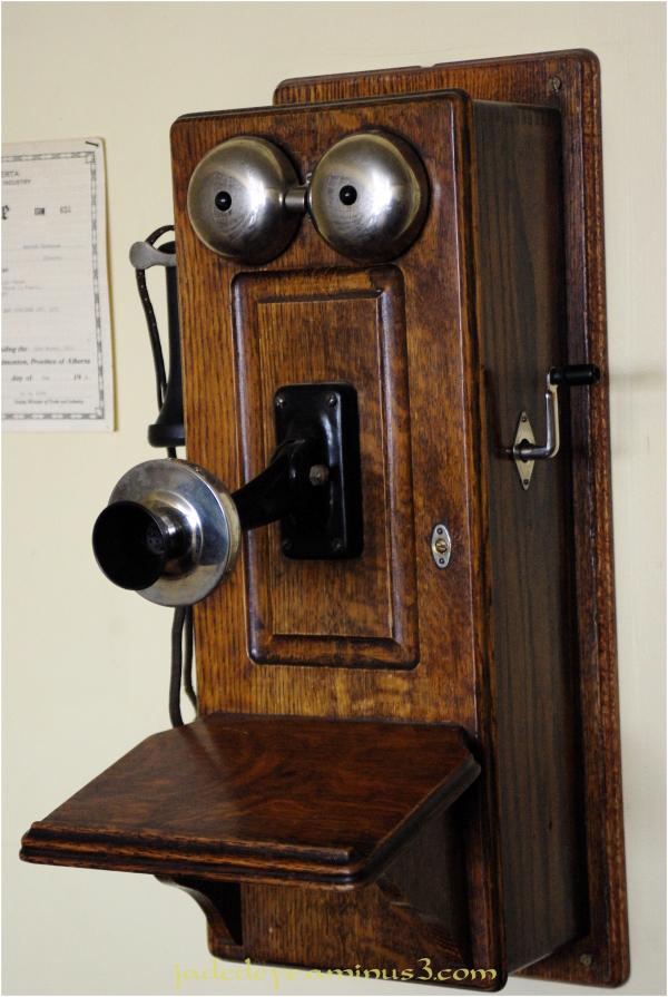 Newfangled Telephonic Device