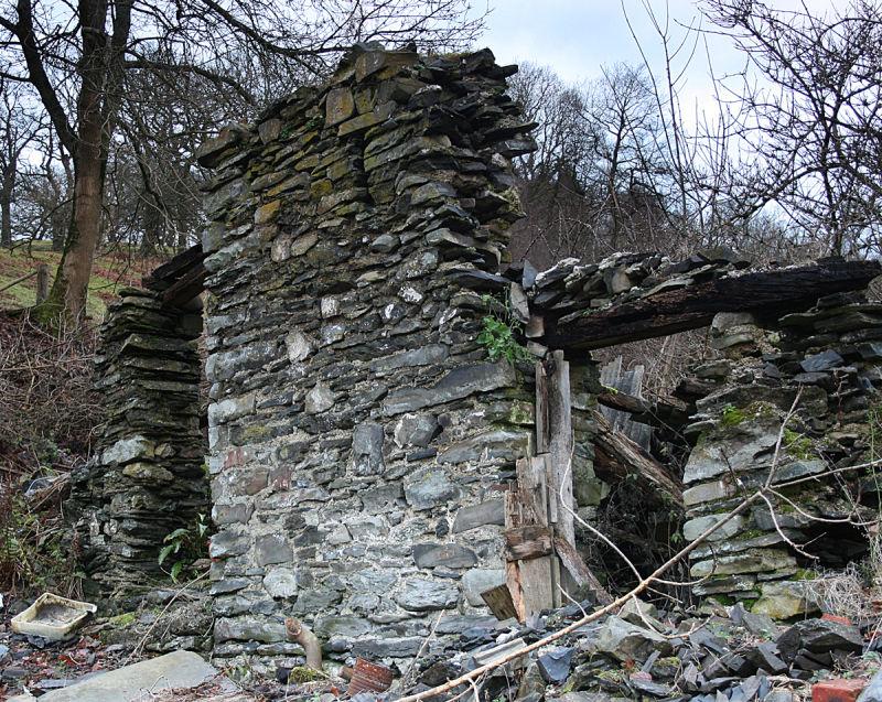 Stone Barn (Ruin)