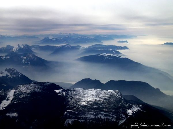 Morning mist... Take off from Geneva...