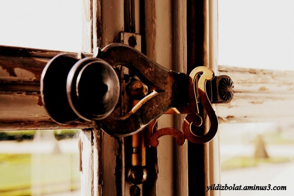 Another old doorknob...