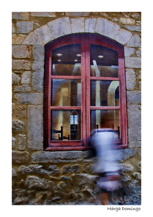 finestra pintada Girona pared