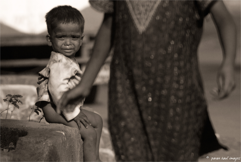 street child crying of hunger
