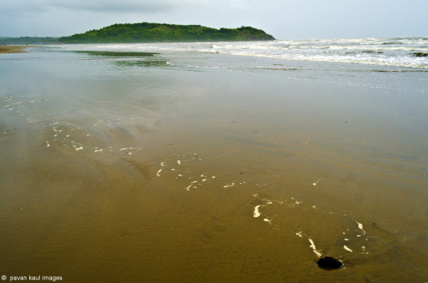 deserted beach in goa