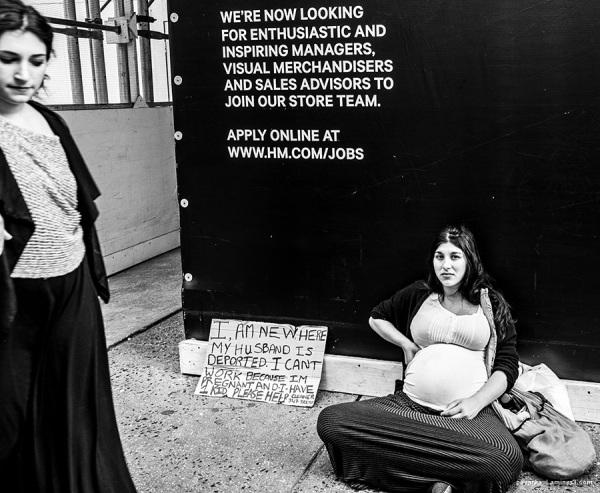 pregnant woman on street in manhattan