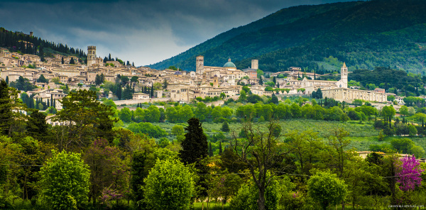 View as we approach the town of Assisi